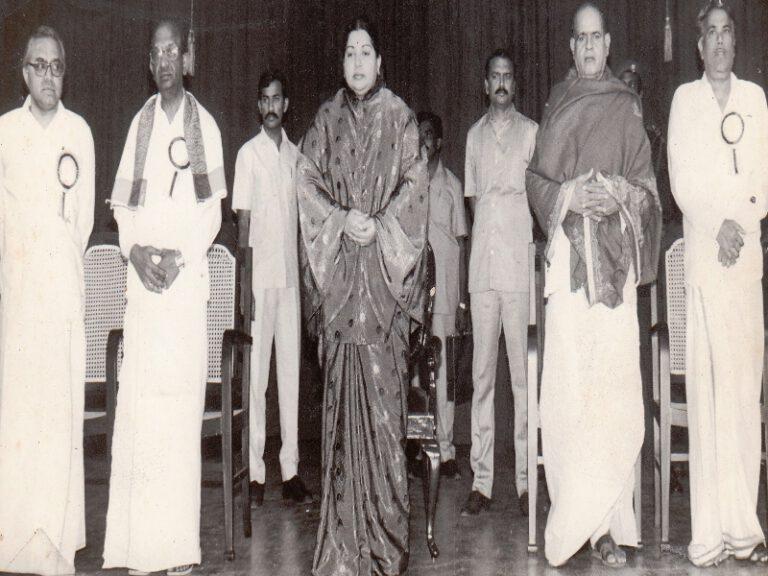 Dr.SCM-Award-At Tamil Isai Sangam Chennai