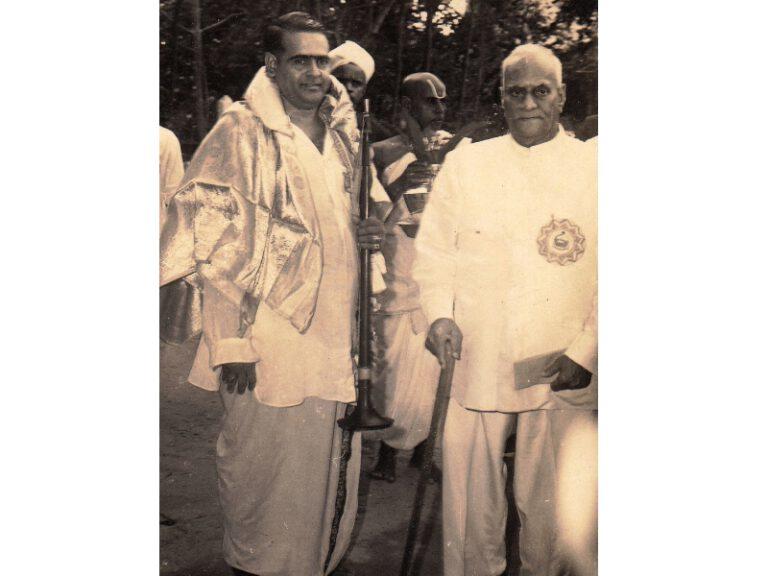 Dr.SCM with President V.V. Giri 1